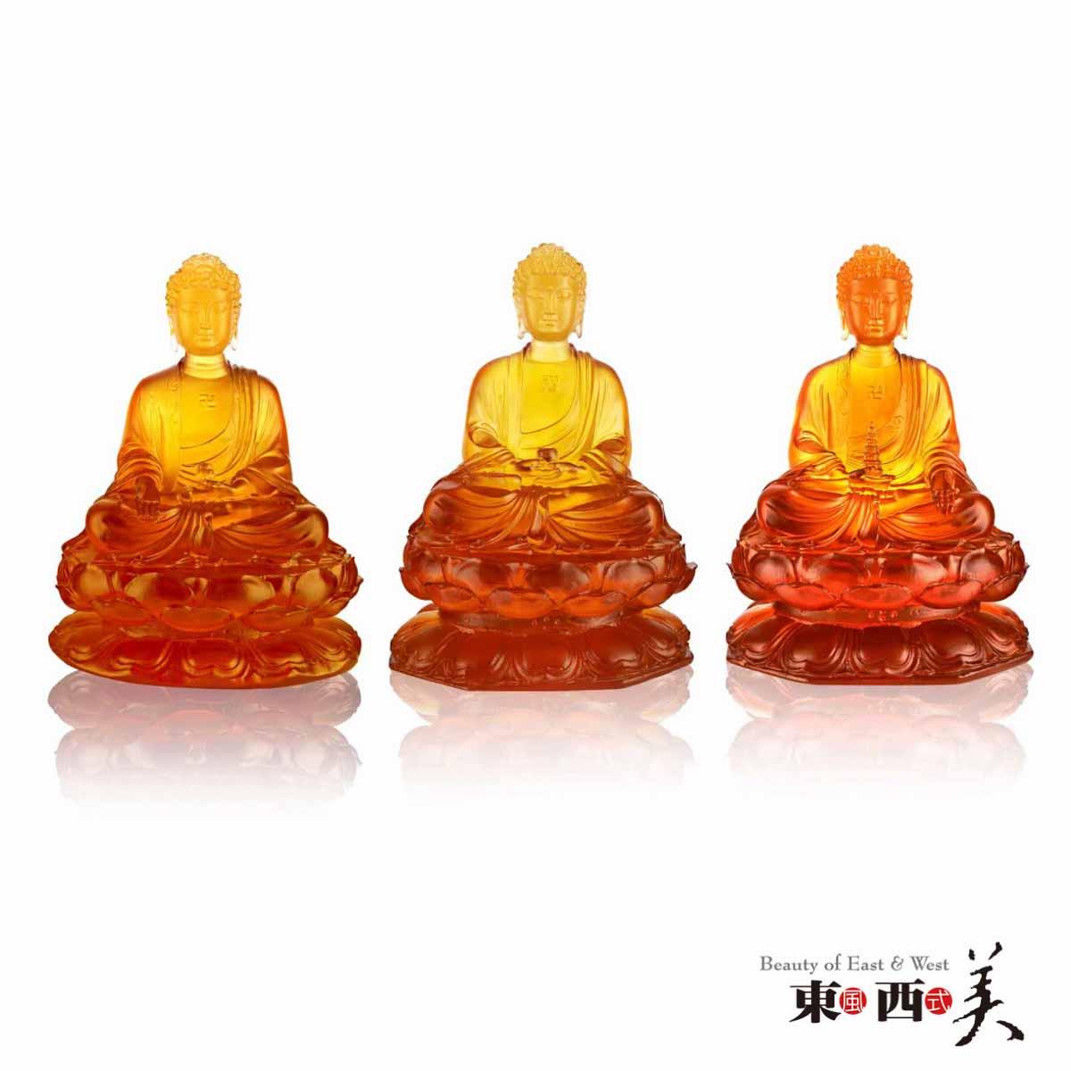 琉璃做的佛像