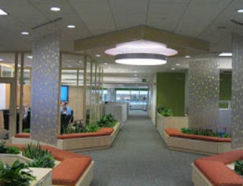 透明树脂板创造高性能办公区间
